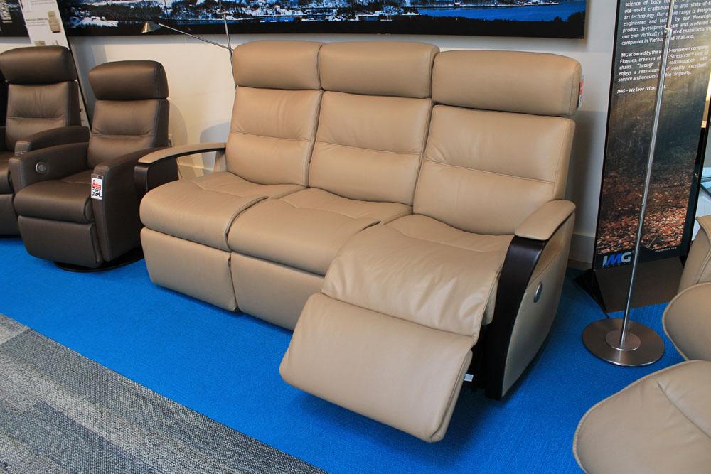 Img Peak Power Sofa Schreiters